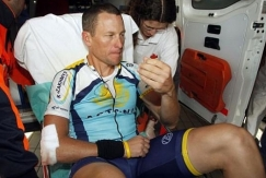 lance-armstrong-chute